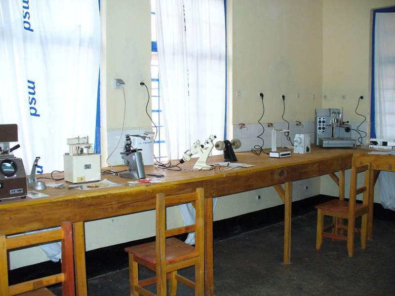 img-laboratorio-ottico-presso-il-district-hospital-di-njombe